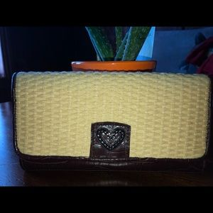 Handbags - Weaved pattern crutch wallet- Cowgirl style 🤠
